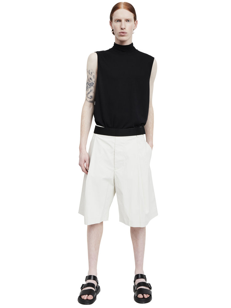 Berthold_wide+leg+single-pleat+coated+cotton+shorts_ss17.62_front